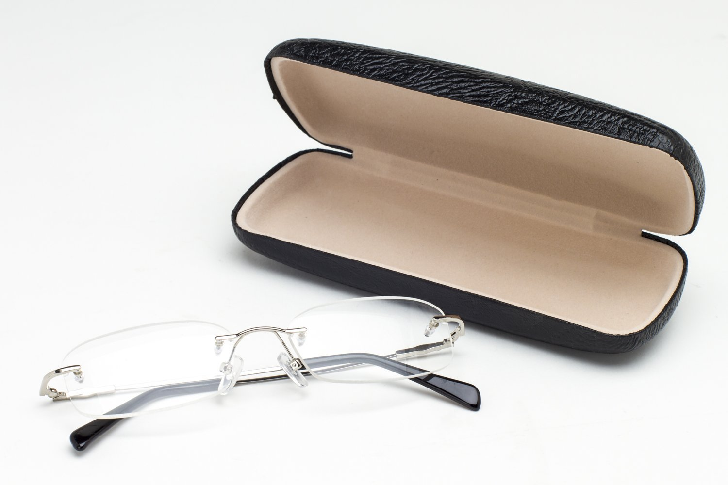 Polycarbonate lenses with Scratch Coating and a hard Black Leather Protective Case